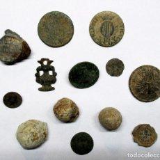 Monedas de España: CONJUNTO DE MONEDAS ESPAÑOLAS ANTIGUAS, BOTONES, PLOMOS Y OTROS COLECCIONISMOS. LOTE 2332. Lote 195076318