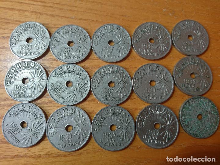 Monedas de España: Lote de 15 monedas de 25 centimos guerra civil II año triunfal. - Foto 2 - 203342881