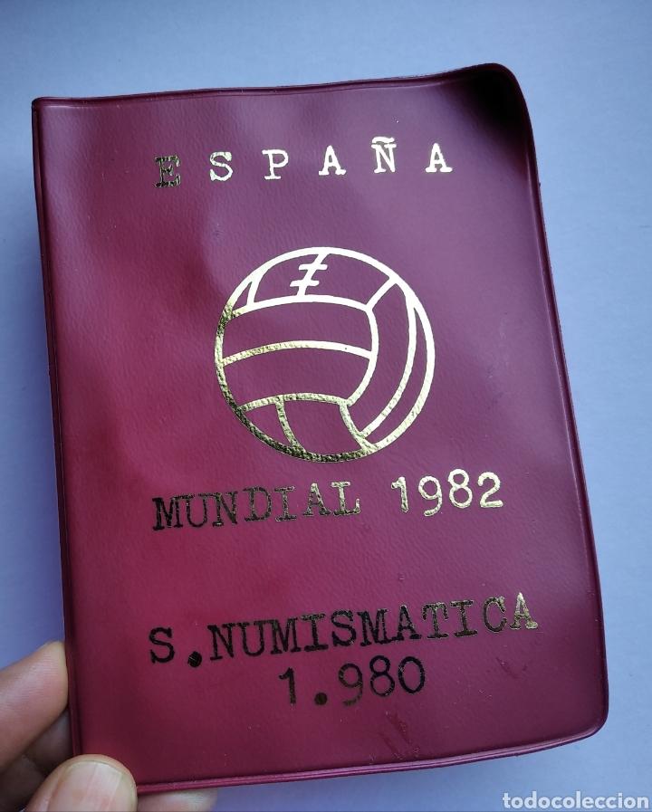 CARTERA ESPAÑA MUNDIAL FUTBOL 1982 SERIE NUMISMATICA 1980 MONEDAS JUAN CARLOS I (Numismática - España Modernas y Contemporáneas - Colecciones y Lotes de conjunto)