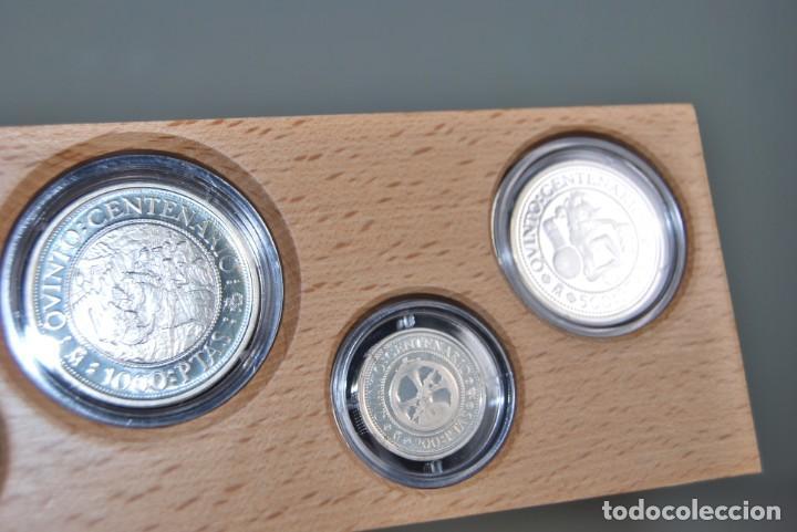 Monedas de España: CINCO MONEDAS QUINTO CENTENARIO DESCUBRIMIENTO DE AMÉRICA - CRISTOBAL COLÓN - PLATA - ESTUCHE MADERA - Foto 7 - 211759946