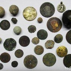 Monedas de España: CONJUNTO DE MONEDAS ANTIGUAS, BOTONES, PLOMOS, MEDALLA Y OTROS COLECCIONISMOS. LOTE 3491. Lote 221705126