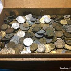 Monedas de España: CAJA DE MONEDAS,ESPAÑOLAS ÉPOCAS DE FRANCO Y REY JUAN CARLOS. Lote 235370305