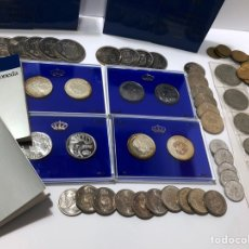 """Monedas de España: LOTE DE 70 MONEDAS SUELTAS , 2 ESTUCHES INCOMPLETOS """"ASÍ NACE UNA MONEDA """" Y UNA TIRA DEL MUNDIAL 82. Lote 259925690"""