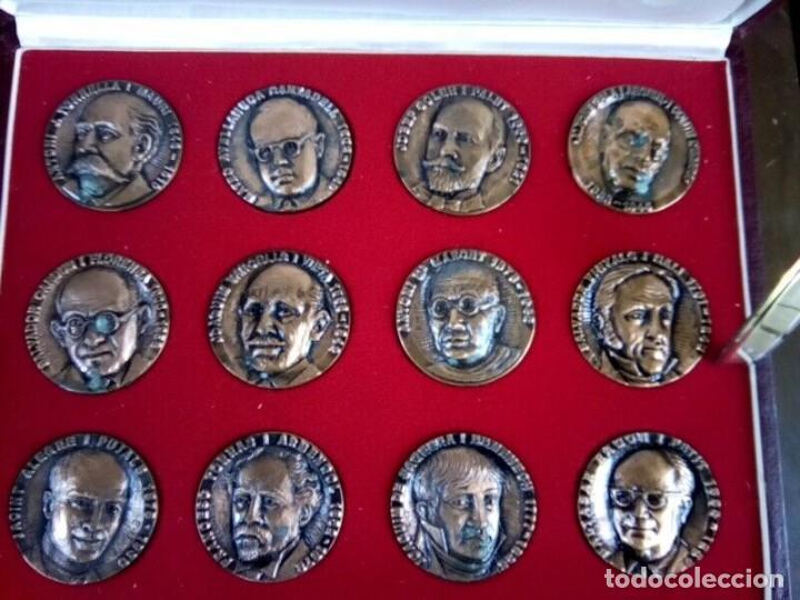 TERRASSA ESTUCHE DE 12 MEDALLAS COBRE DE PERSONAJES VER FOTOS (Numismática - España Modernas y Contemporáneas - Colecciones y Lotes de conjunto)