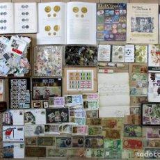Monedas de España: CAJA: MONEDAS-BILLETES-LIBROS--DOCUMENTOS- SELLOS-SUBATAS DE MONEDAS-FOTOS-REVISTAS... LOTE 0228. Lote 271140903