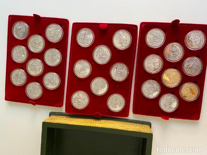 Monedas de España: EL INGENIOSO HIDALGO DON QUIJOTE , 26 MEDALLAS DE PLATA ESTUCHE LIBRO , ACUÑACIONES IBERICAS - Foto 2 - 288458178