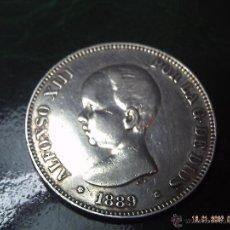 Monedas de España: CINCO PESETAS DE ALFONSO XIII DEL AÑO 1889. ESTRELLAS MUY CLARAS 89. PLATA. ESPAÑA. MUY BUENA CON.. Lote 40724856