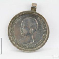 Monedas de España: MONEDA ALFONSO XIII - 5 PESETAS 1891 PGM / ENGARZADA EN ARO DE PLATA - PLATA - CONSERVACIÓN BC. Lote 131233250