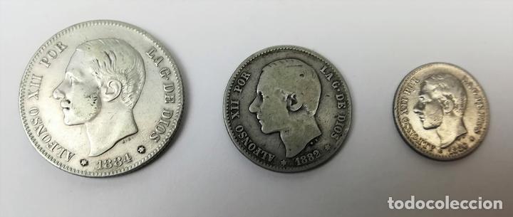 3 MONEDAS: 2 PESETAS. UNA PESETA. 50 CÉNTIMOS DE PLATA. REY ALFONSO XII. ESPAÑA (Numismática - España Modernas y Contemporáneas - De Isabel II (1.834) a Alfonso XIII (1.931))