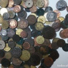 Monedas de España: LOTE 195 MONEDAS DE VARIAS EPOCAS DE COBRE ,BRONCE ,METAL.. ALGUNAS DE FERNANDO VII. Lote 176857508