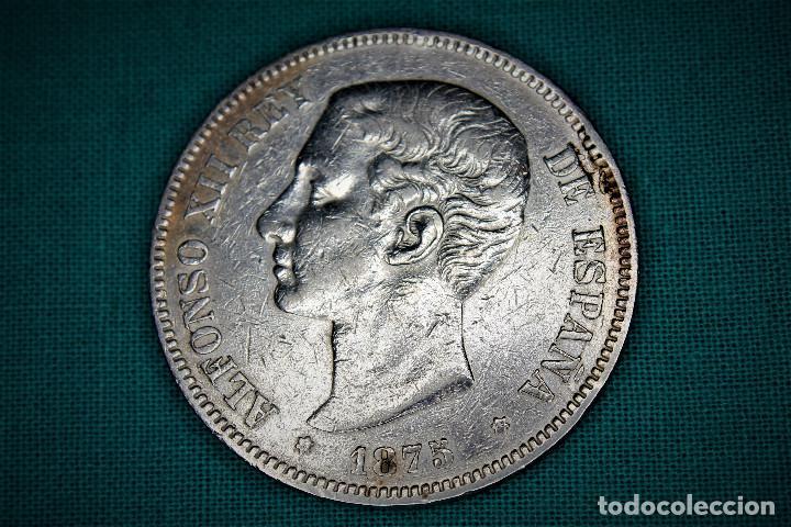 ESPAÑA 5 PESETAS ALFONSO XII VARIANTE OREJA RALLADA 1875 ESTRELLAS 18-75 DE M 3085 (Numismática - España Modernas y Contemporáneas - De Isabel II (1.834) a Alfonso XIII (1.931))