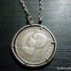 Monedas de España: PULSERA LLAVERO MONEDA ENGARZADA ALFONSO XIII EL PELÓN 1890 PLATA. Lote 196548996