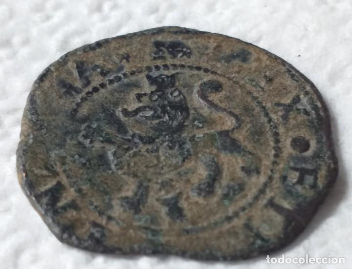 Monedas de España: MONEDA DE LOS REYES CATÓLICOS POR CATALOGAR Y LIMPIAR METAL BRONCE - Foto 3 - 202079617