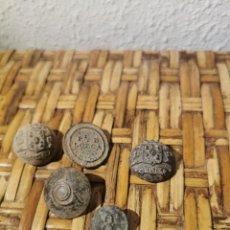 Moedas de Espanha: LOTE DE 5 BOTONES ANTIGUOS. Lote 237039210