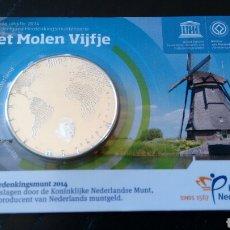 Euros: MONEDA 5 EUROS EN COINCARD HOLANDA 2014 CONMEMORANDO LOS MOLINOS HOLANDESES. Lote 121009890