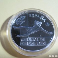 Euros: MONEDA DE PLATA DE 10 EUROS MUNDIAL DE FUTBOL 2002 ESPAÑA. Lote 142978146
