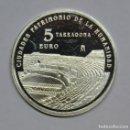 Monedas de Felipe VI: TARRAGONA 2015. 5 EUROS ANFITEATRO ROMANO - 3ª SERIE UNESCO - PLATA - LOT. 1574. Lote 159721470