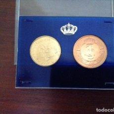Monedas FNMT: MONEDA 500 PESETAS Y MEDALLA DE BRONCE. Lote 76973021
