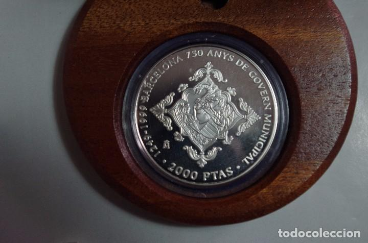 Monedas FNMT: 2000 PTS - PLATA PROOF - 750 ANYS DE GOVERN MUNICIPAL BARCELONA - 1249-1999 - ESTUCHE Y CERTIFICADO - Foto 2 - 90660320