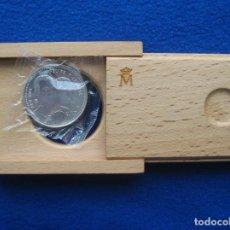 Monedas FNMT: MONEDA CONMEMORATIVA DE PLATA. 12 EUROS. AÑO 2004. ENLACE REAL FELIPE Y LETIZIA. Lote 164883050