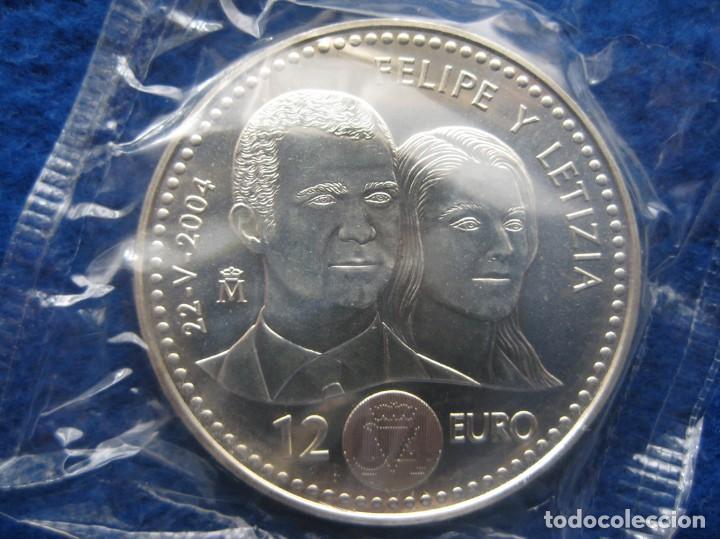 Monedas FNMT: Moneda conmemorativa de Plata. 12 euros. Año 2004. Enlace real Felipe y Letizia - Foto 2 - 164883050
