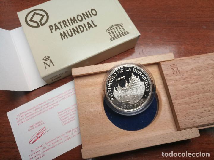 Monedas FNMT: 2000 PESETAS 1996 PATRIMONIO MUNDIAL UNESCO. 8 reales DJENNE Certificado plata Juan Carlos xxx - Foto 3 - 183851657