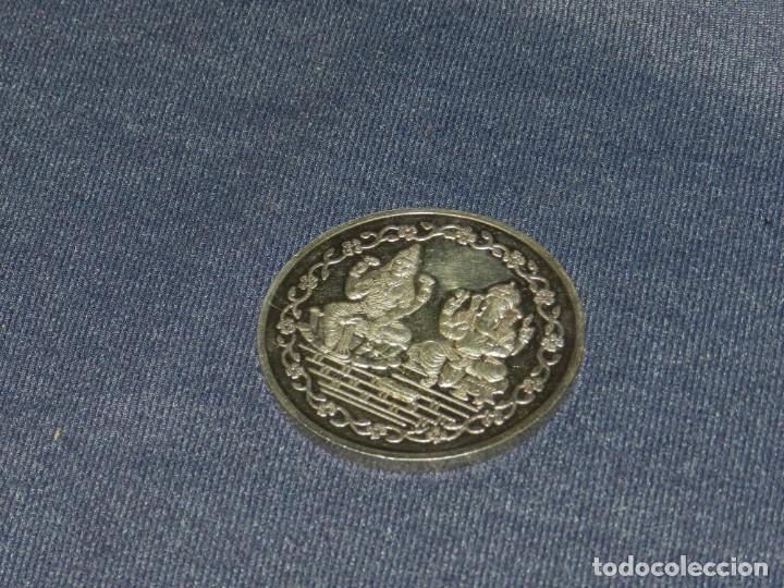 (CAJÓN1) MONEDA INDONESIA 999 FINE SILVER 100 GMS, 6CM, SEÑALES D EUSO NORMALES (Numismática - España Modernas y Contemporáneas - FNMT)