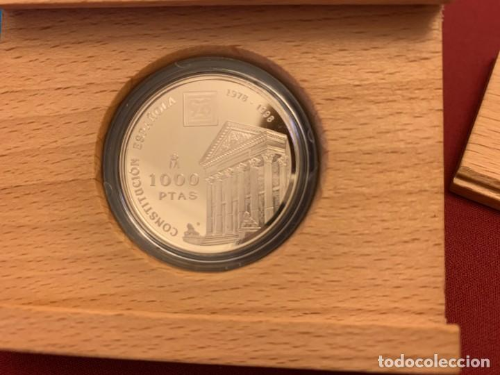 Monedas FNMT: ESTUCHE 1000 PESETAS - 1998 - PLATA - XX ANIVERSARIO CONSTITUCIÓN ESPAÑOLA - CERTIFICADO FNMT - Foto 2 - 228121495