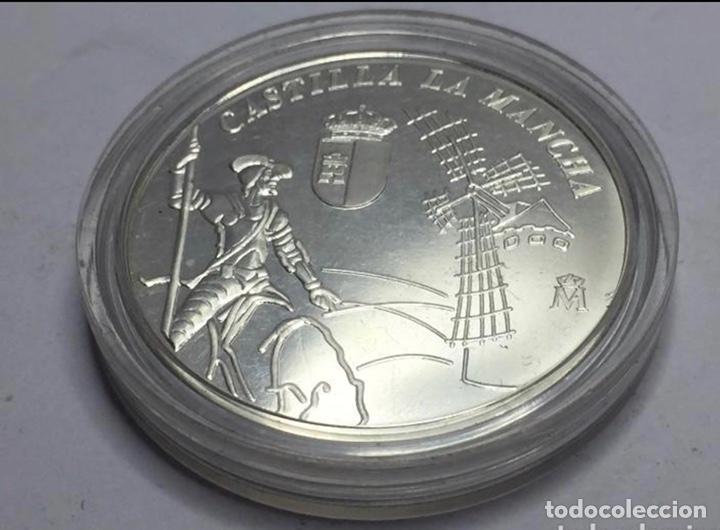 MEDALLA DE PLATA CONMEMORATIVA DE LOS 25 AÑOS DE CASTILLA LA MANCHA (Numismática - España Modernas y Contemporáneas - FNMT)