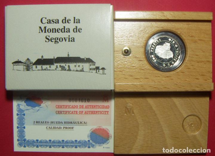 ESTUCHE 2001 ESPAÑA 500 PESETAS 2 REALES CASA DE SEGOVIA PLATA RUEDA HIDRÁULICA CON CERTIFICADO (Numismática - España Modernas y Contemporáneas - FNMT)