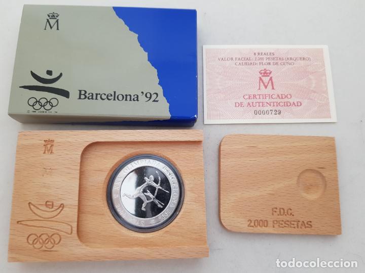 MONEDA PLATA BARCELONA 92ARQUERO PREHISTORICO 1990 PROOF CAJA Y CERTIFICADO (Numismática - España Modernas y Contemporáneas - FNMT)