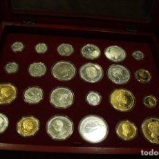 Monedas FNMT: CAJA HISTORIA DE LA PESETA - FNMT - 24 MONEDAS EN PLATA - 550 GR - PLATA DE LEY 925 Y 955. Lote 289235768