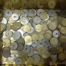 Monedas Franco: LOTE DE UNAS 200 MONEDAS - EPOCA FRANCO. Lote 40263255