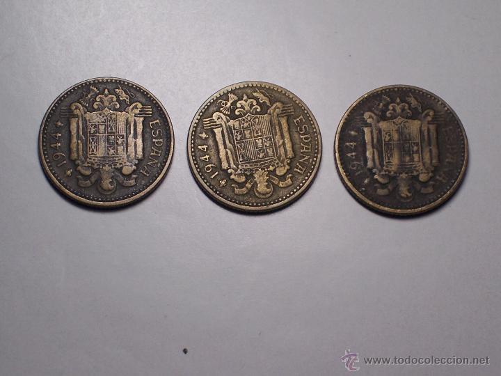 Monedas Franco: LOTE DE TRES MONEDAS DE UNA PESETA (LA EL 1) AÑO 1944 - Foto 2 - 53275286