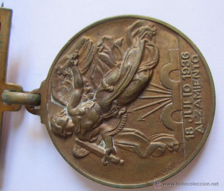 Monedas Franco: 3 Medallas Alzamiento Victoria. España. Ejército Nacional. 1936-1939. Guerra Civil Española. 3,20 CM - Foto 4 - 54846932