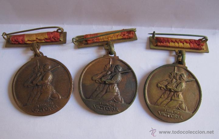 Monedas Franco: 3 Medallas Alzamiento Victoria. España. Ejército Nacional. 1936-1939. Guerra Civil Española. 3,20 CM - Foto 5 - 54846932