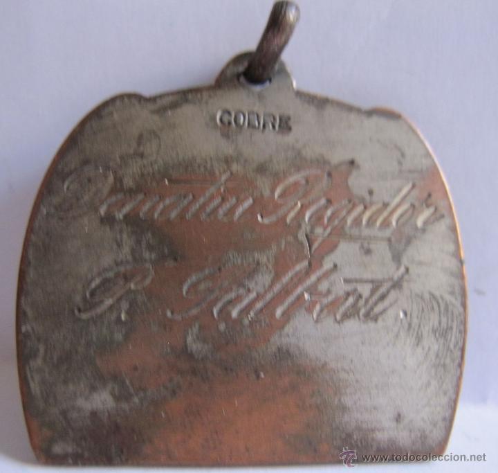 Monedas Franco: MEDALLA DE FUTBOL. INSCRIPCIÓN: donatiu regidor P. Salbat (?). 3 x 3,50 cm - Foto 3 - 54848506
