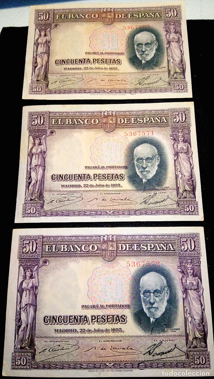 Monedas Franco: 3 BILLETES DE 50 PTAS. SANTIAGO R.Y.C 22.07.1.935 SIN SERIE. 2 CORRELATIVOS. BUEN ESTADO. FOTOS - Foto 2 - 64775543