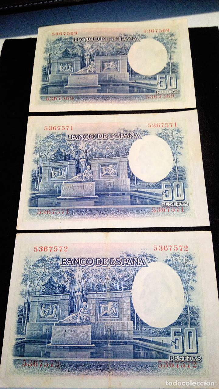 Monedas Franco: 3 BILLETES DE 50 PTAS. SANTIAGO R.Y.C 22.07.1.935 SIN SERIE. 2 CORRELATIVOS. BUEN ESTADO. FOTOS - Foto 3 - 64775543