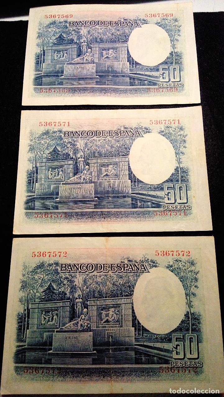Monedas Franco: 3 BILLETES DE 50 PTAS. SANTIAGO R.Y.C 22.07.1.935 SIN SERIE. 2 CORRELATIVOS. BUEN ESTADO. FOTOS - Foto 4 - 64775543
