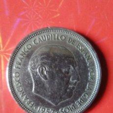 Monedas Franco: CINCUENTA PESETAS DE FRANCO,1957,ESTRELLA,58 Y EN EL CANTO UNA GRANDE Y LIBRE.. Lote 95552167