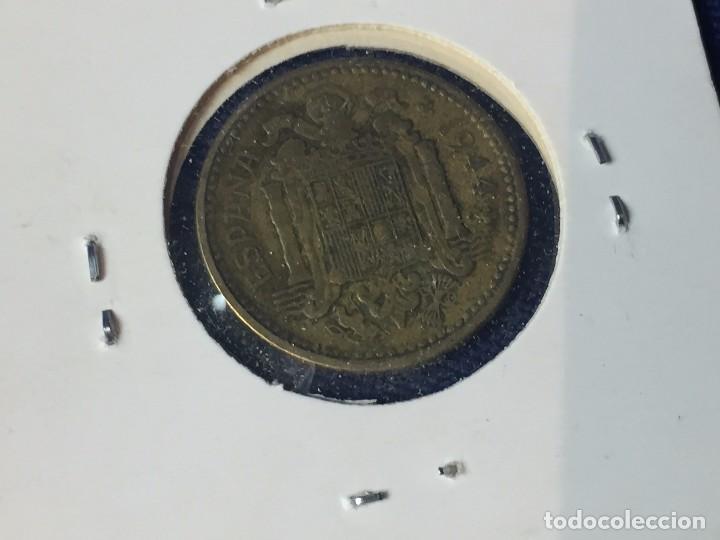 Monedas Franco: Moneda una peseta Franco 1944 la del Uno, buen estado conservada en funda - Foto 5 - 97666539