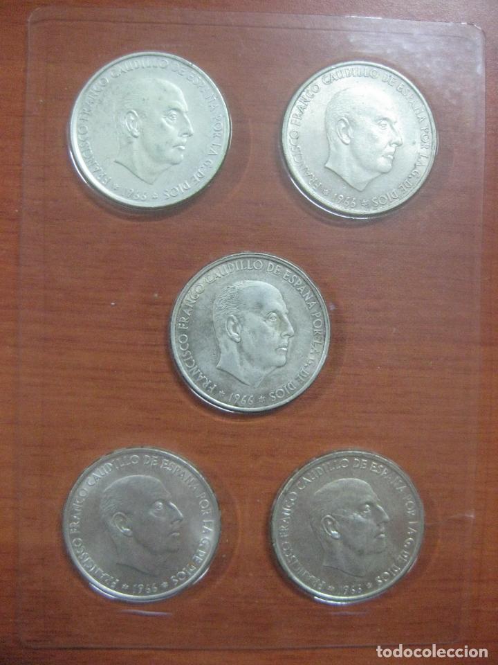 Monedas Franco: RARO ESTUCHE CON LAS 5 MONEDAS DE 100 PESETAS DE PLATA EMISION DE 1966, INCLUIDA EL 69 DE PALO RECTO - Foto 3 - 115465351