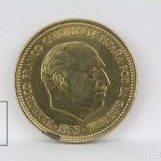 Monedas Franco: MONEDA ESTADO ESPAÑOL - 2,50 PESETAS 1953 *56 / COBRE - CONSERVACIÓN EBC. Lote 178751743