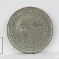 Monedas Franco: MONEDA ESTADO ESPAÑOL - 25 PESETAS 1957 *59 / NIQUEL - CONSERVACIÓN MBC. Lote 178751725