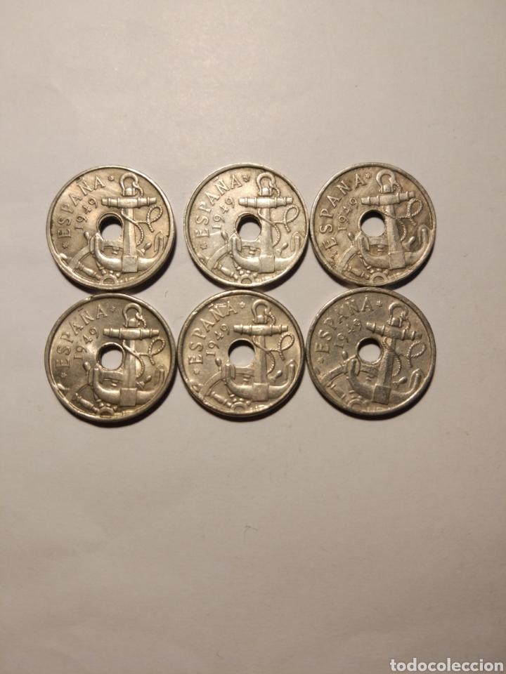 Monedas Franco: Todas las monedas de 50 céntimos de 1949, estrellas visibles, dos con agujeros desplazados - Foto 2 - 142832217