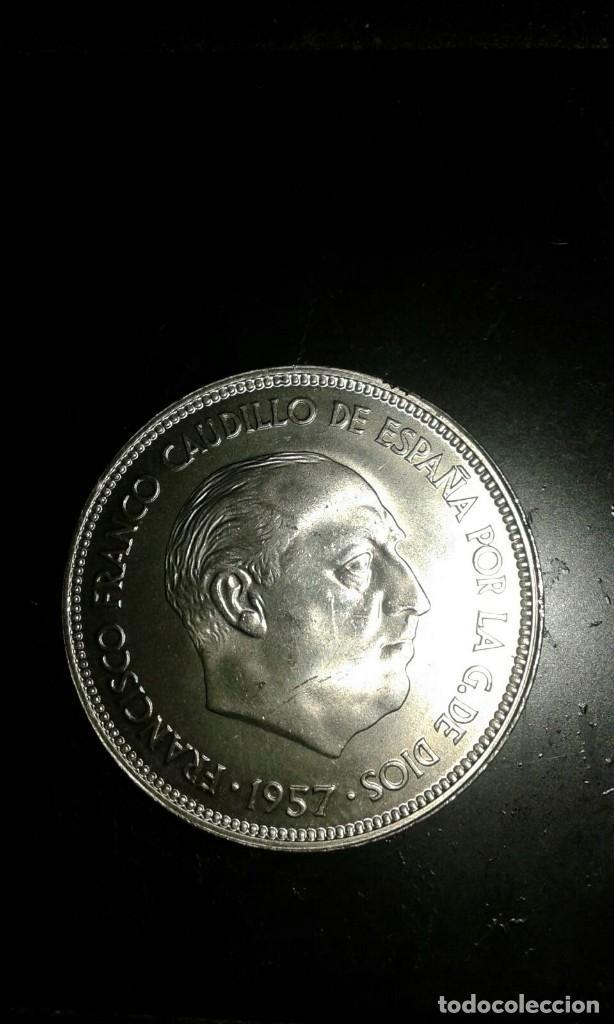 Monedas Franco: MONEDA DE 25 PESETAS DE 1957 ESTRELLA * 68. FRANCISCO FRANCO SIN CIRCULAR, SACADA DE CARTUCHO. - Foto 2 - 184238115