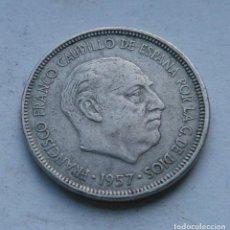 Monedas Franco: MONEDA DE 5 PESETAS DEL ESTADO ESPAÑOL AÑO 1957 *58. Lote 144567186