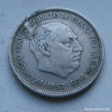 Monedas Franco: MONEDA DE 5 PESETAS DEL ESTADO ESPAÑOL AÑO 1957 *58. Lote 144567402