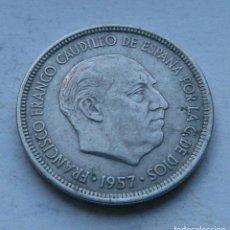 Monedas Franco: MONEDA DE 5 PESETAS DEL ESTADO ESPAÑOL AÑO 1957 *67 MBC. Lote 144568318